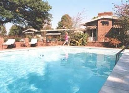 Parish Patch Farm & Inn - Whitney Chapel pool