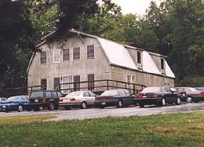 Parish Patch Farm & Inn - Whitney Chapel parking