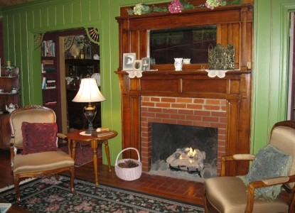 His Majesty's Bed & Breakfast, fireplace