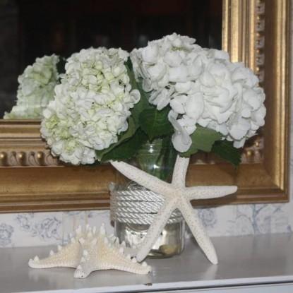 Saltair Inn Waterfront Bed and Breakfast -Flowers