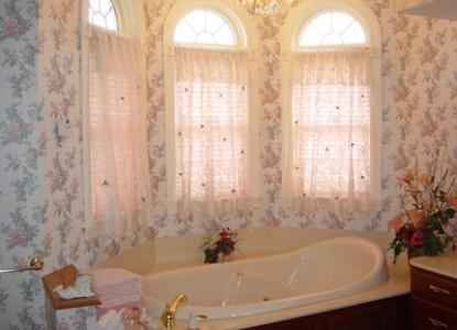 Painted Lady Bed & Breakfast, Melanie room