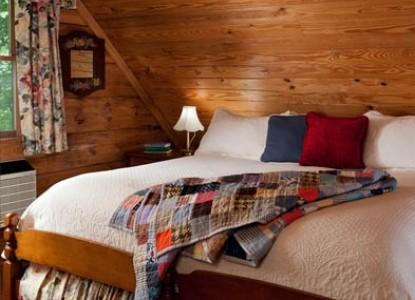 Arrowhead Inn B&B-Carolina Log Cabin