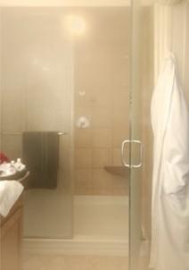 Arrowhead Inn B&B- Garden Cottage Bathroom