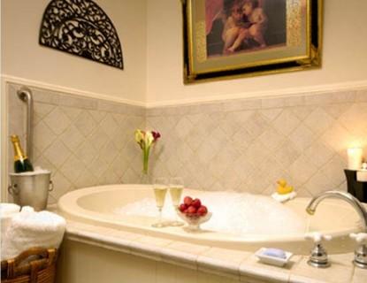 Arrowhead Inn B&B- Duke bathroom