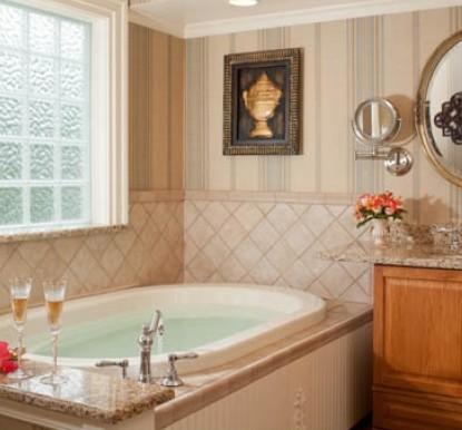 Arrowhead Inn B&B-Lipscomb bathroom