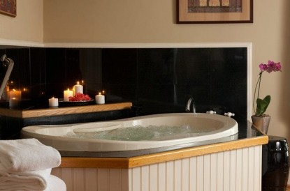 Arrowhead Inn Bed & Breakfast-Brittain Tub