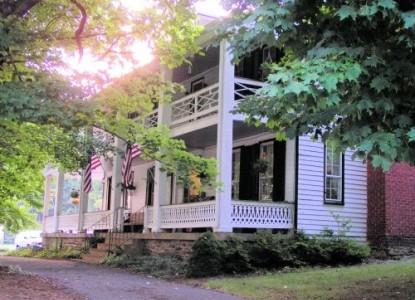 The Buckhorn Inn side view