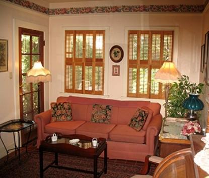 El Presidio Bed & Breakfast Inn, Carriage House suite