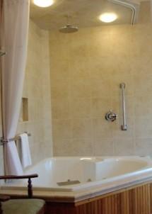 Habberstad House Bed and Breakfast-Heather Bathroom