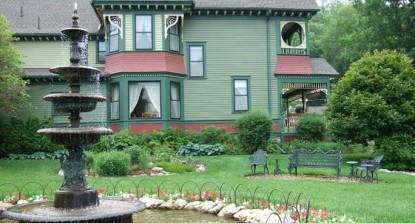Habberstad House Bed and Breakfast- Grounds and Garden