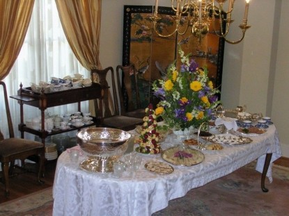 The Garden House Bed & Breakfast-Table