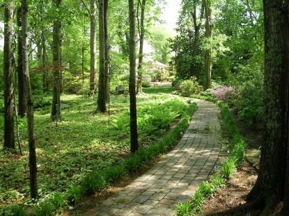 The Garden House Bed & Breakfast-Beautiful Walk Path