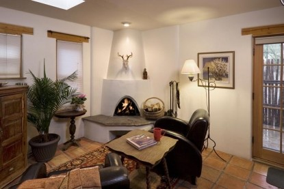 Alexander's Inn Bed & Breakfast-Living Room