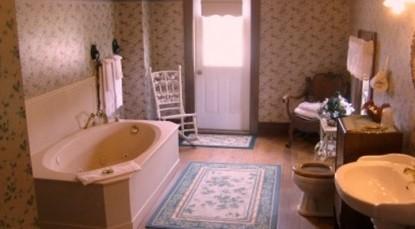 Hasseman House Bed & Breakfast-Boy's bathroom