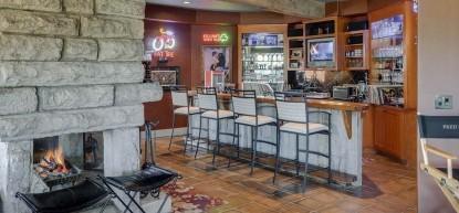 Thistletop Inn Indoor Bar