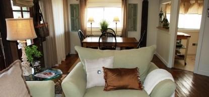 Thistletop Inn Elysian Carriage House Living Room