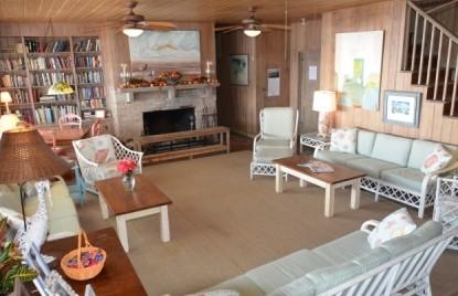 Sea View Inn-common area