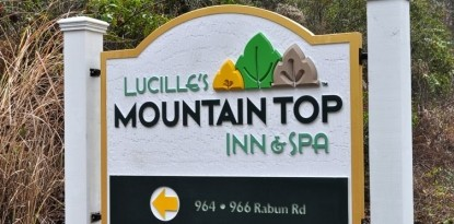 Lucille's Mountain Top Inn and Spa sign
