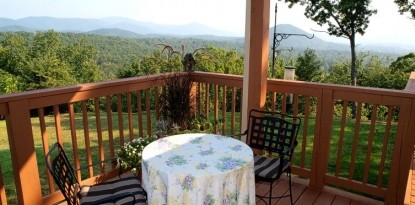 Lucille's Mountain Top Inn and Spa patio