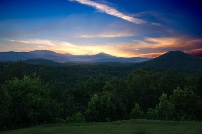 Lucille's Mountain Top Inn and Spa sunset