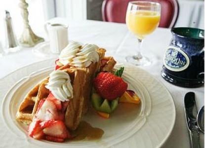 Emerson Inn by the Sea breakfast