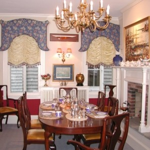 Flag House Inn Bed & Breakfast dining room