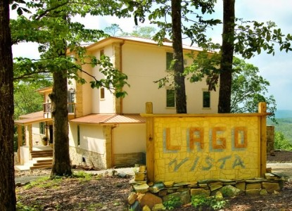 Lago Vista Bed and Breakfast-Sign