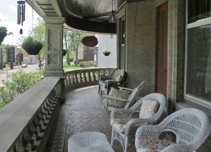 Mandolin Inn Bed & Breakfast-Porch