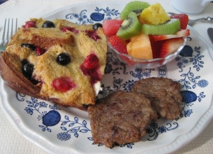 Colonial Pines Inn Bed & Breakfast, breakfast