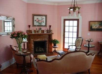 The Camellia Rose Inn-Common Area