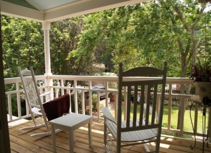 The Camellia Rose Inn-Porch
