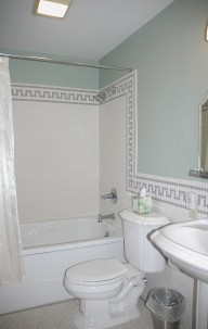 Nauvoo Grand - A Bed & Breakfast Inn-Bathroom