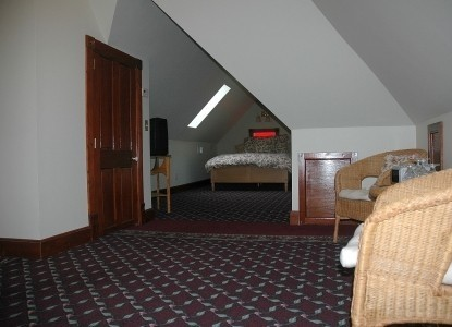 Nauvoo Grand - A Bed & Breakfast Inn-Grandma Eleanor's Attic