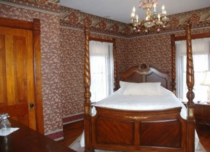 Nauvoo Grand - A Bed and Breakfast Inn-Ellen's Orchard Bedroom