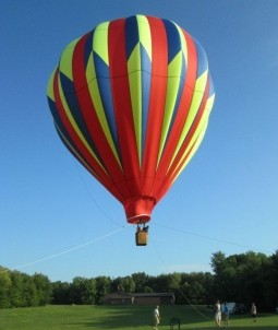 His Majesty's Bed & Breakfast, hot air balloon
