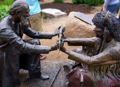 Palo Alto Creek Farm, statue