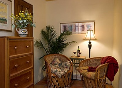 Hacienda Nicholas Bed & Breakfast-The Chamisa Suite