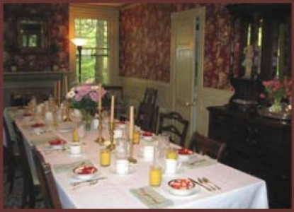 Faunbrook Bed & Breakfast-Dining Table