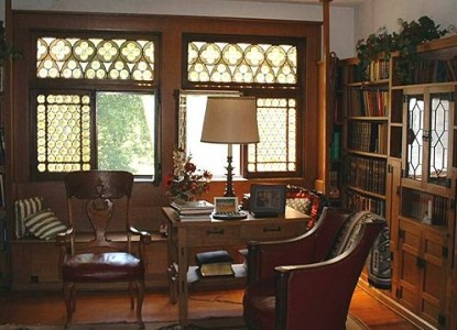 The Hermitage Bed & Breakfast, library