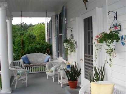 Aida's Victoriana Inn Porch