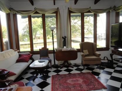 Aida's Victoriana Inn Room