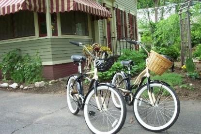 Sugar Maple Trailside Inn, bikes
