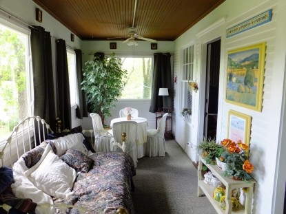 The Dickey House Bed & Breakfast, Ltd-The Fontaine Room Screened Porch