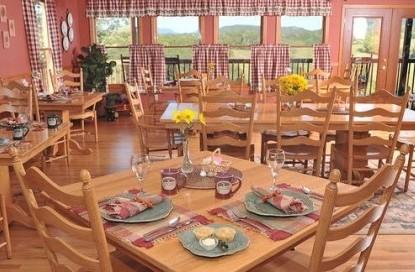 Berry Springs Lodge amenities