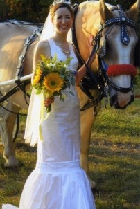 Farm by the River Bed and Breakfast with Stables-Bride with Horse