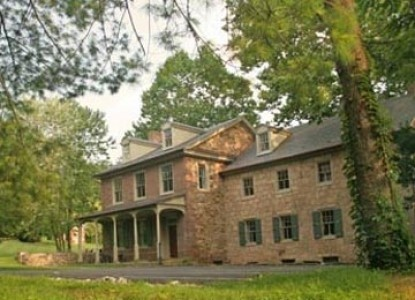 Built in 1760 and listed on the National Historic Register, offering 3 elegant guest rooms and 2 cottages on 120 acres.