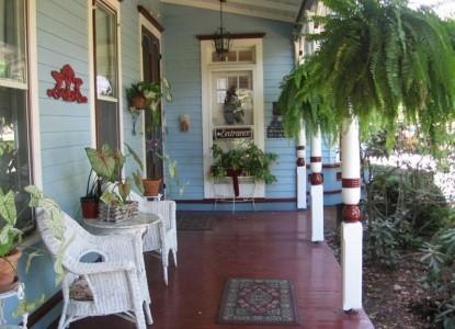 1870 Wedgwood Inn of New Hope,  porch