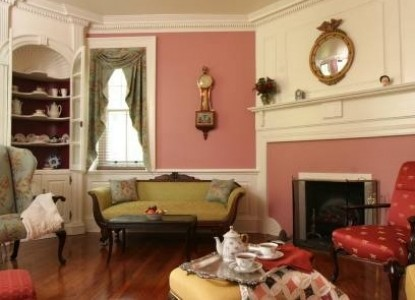 Speedwell Forge B&B pink living room