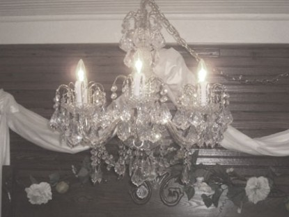 Miss Lissia's Carraige House chandelier