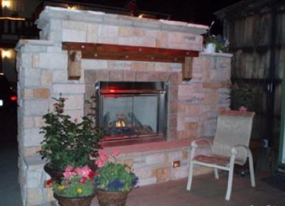 Frisco Lodge - Frisco, Colorado, fireplace